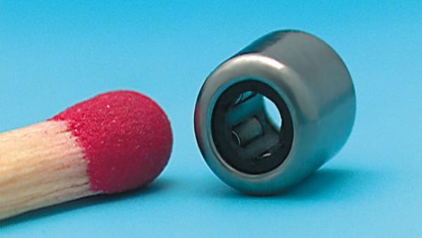 Die kleinste Nadelhülse der Welt (2 mm Wellendurchmesser) geht für den Einsatz in einem Kleingetriebe in der Productronic in Serie.