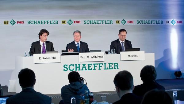 Jahresbilanzpressekonferenz in Frankfurt/Main: Die Schaeffler Gruppe hat das Jahr 2010 mit einem Umsatzwachstum von 29,4 Prozent auf 9,5 Mrd. Euro mit einem Rekordergebnis abgeschlossen.