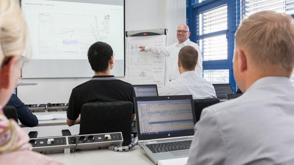 Maschinen- und Anlagenüberwachung: Schulungsangebot Condition Monitoring