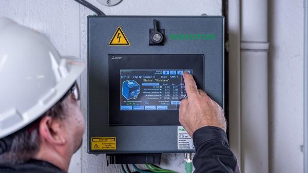 Als vorkonfiguriertes Plug-and-Play-System erfordert der SmartQB keinerlei Vorkenntnisse im Bereich Condition Monitoring.
