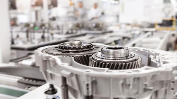 Getriebemontage auf flexiblem Werkstück-Transfersystem