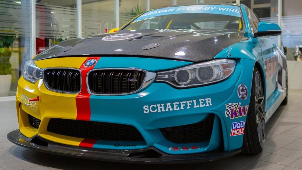 Schaeffler Paravan Präsentiert Auf Der Essen Motor Show Innovative