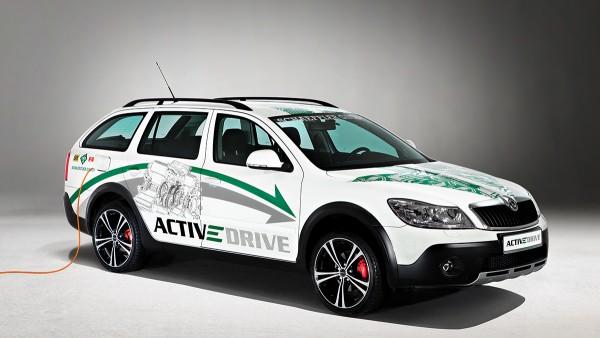 Schaeffler zeigt mit dem ACTIVeDRIVE ein Konzeptfahrzeug zum Thema Elektromobilität und komplettiert damit das Trio von Demonstrationsfahrzeugen, mit denen Schaeffler das Spektrum moderner Automobilität visualisiert.