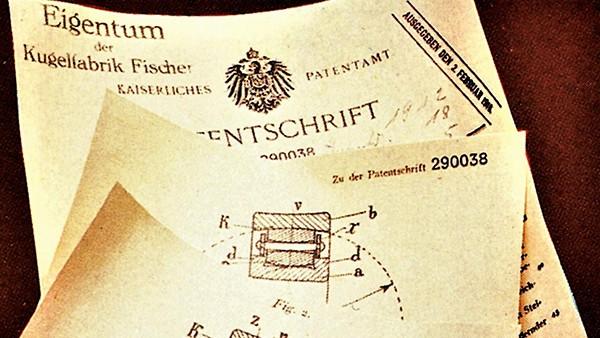 Johann Modler, ein FAG-Ingenieur, entwickelt das winkeleinstellbare Tonnenrollenlager (DRP Nr. 290 038 vom 16.2.1912).